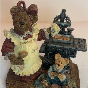 VNTG Boyds Bears - Aunt Becky with Zack 2000